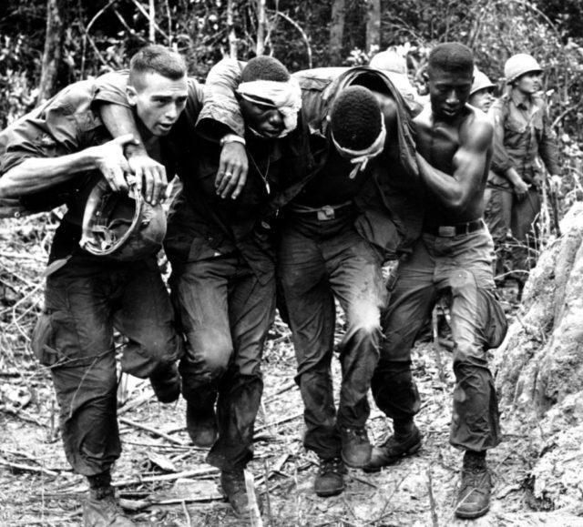 Mesmo com todo preconceito na guerra todos são irmãos