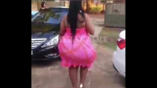 SSBBW AFRICAN WOMAN WITH THICK HIPS OUTSIDE.#SSBBW#BBW#MODEL#THICKHIPS#CURVES#HUGEBOOTY#AFRICAMODEL