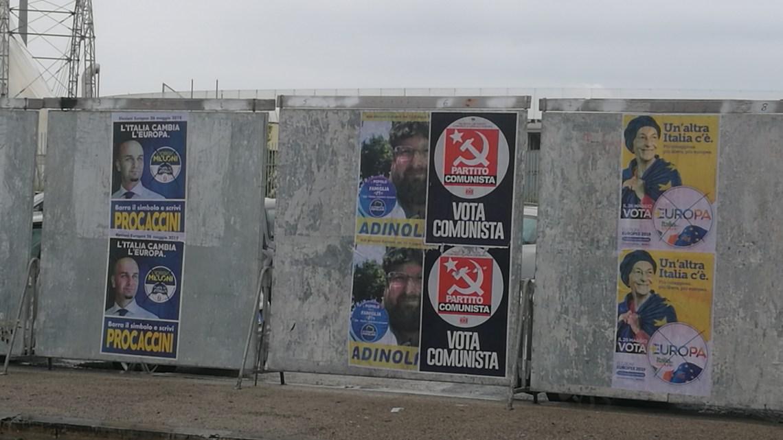 Epitaffio per i manifesti elettorali a Latina