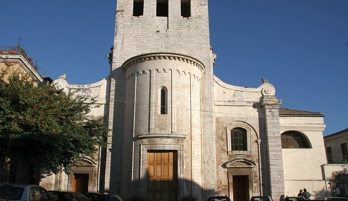 Sezze, la statua la chiesa e il silenzio per guardare il piano