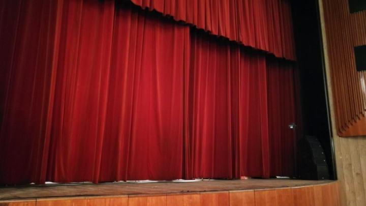 Teatro e biblioteca, le Waterloo di Coletta e la morte di Latina