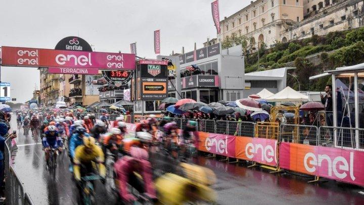 """Giro d'Italia, Terracina raggiante: """"Festa di popolo e di sport"""""""