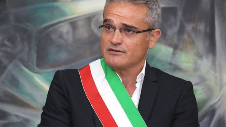 Dimissioni Di Raimo, così il sindaco di Sezze si è impantanato