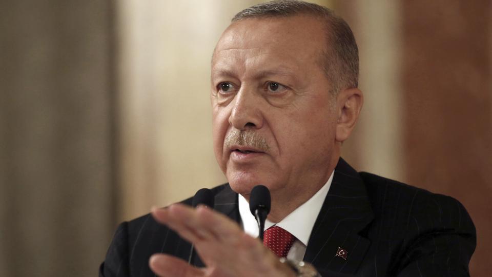Il treno dixit 22/ Il vigile antialpini di Latina ci salverà da Erdogan