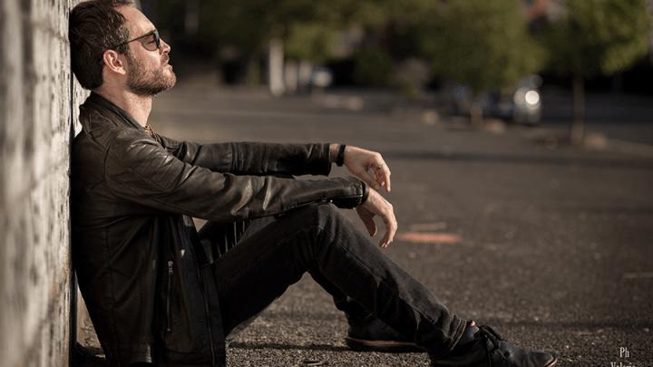 Raw, il nuovo album di Roberto Ventimiglia, tra sintetizzatori e salotto