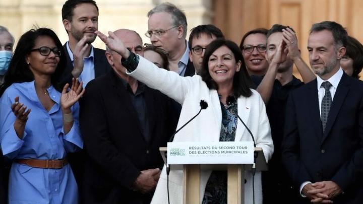 Latina e la lezione (Parigi mi scuserà) di Parigi: una sindaco socialista