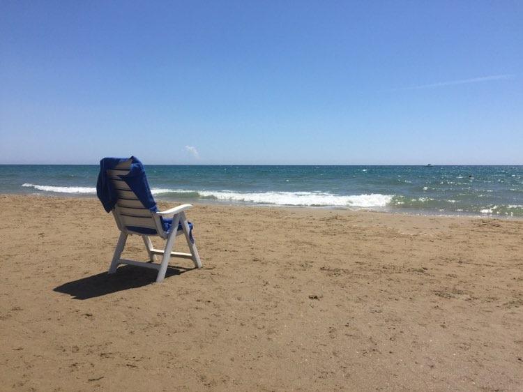 Storie/ Una giornata al mare o forse dovrò restare
