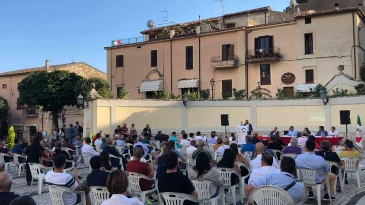 Tocca alla Rocca, in 200 in piazza a parlare di ecobonus 110%