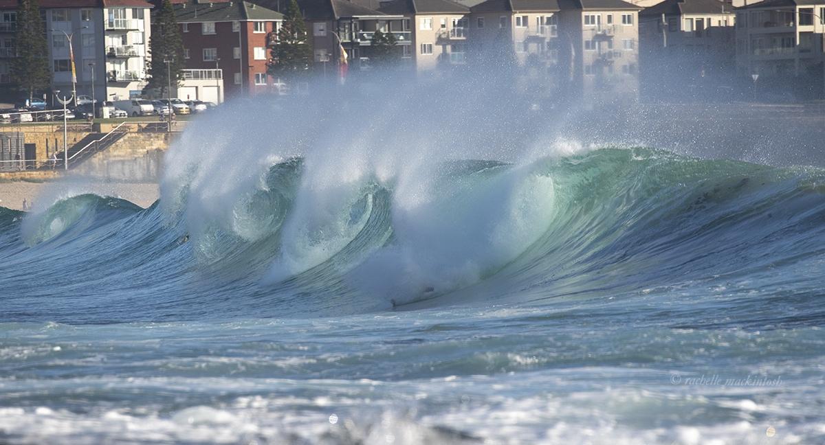 maroubra waves barrels surfing australia
