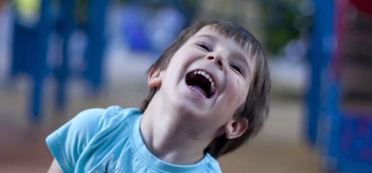 11 idei jucăușe pentru a-ți ajuta copilul să își depășeasca anxietatea și să fie mai cooperant