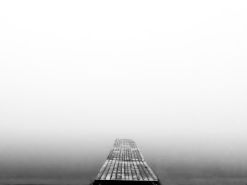Dock during a cloud resting. / Fujifilm X10