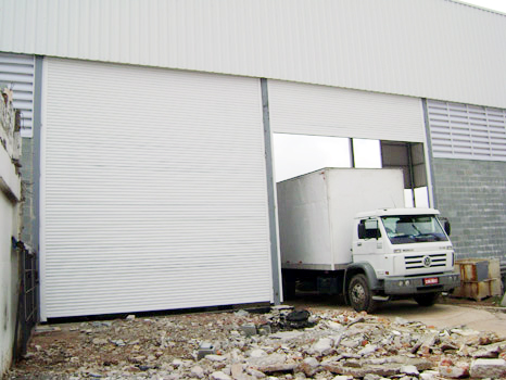 Porta de Aço de Enrolar Automática - Favaretto Portas - Porta de Enrolar em Campinas - SP