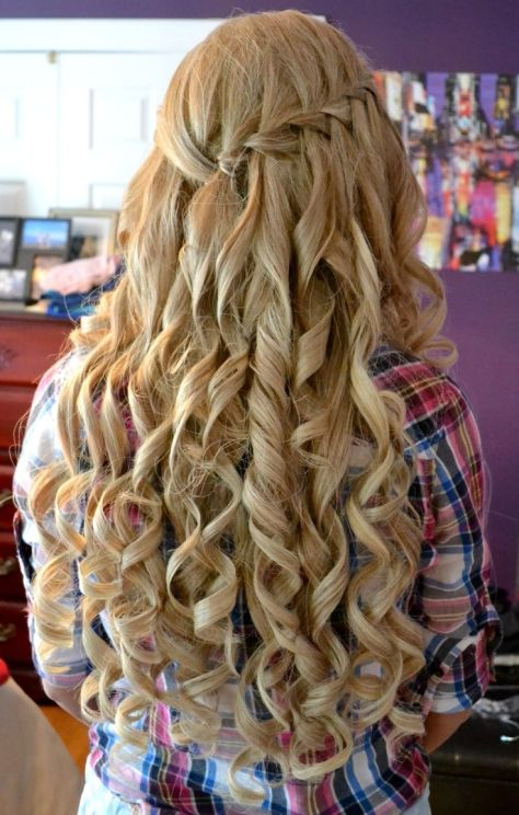 Amazing Curly Long Blonde Homecoming and Prom Hairstyle