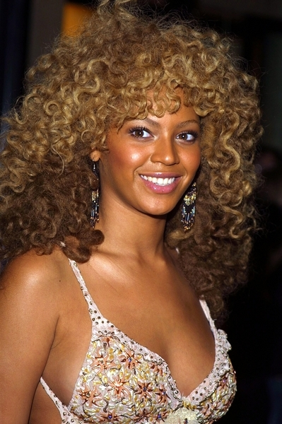 07/24/2002 - Beyonce Knowles - Autin Power's in Goldmember Special Screening at Barney's - Barney's New York - New York, NY - Keywords: Destiny's Child - - - Photo Credit: Wild1 / Photorazzi - Contact (1-866-551-7827)