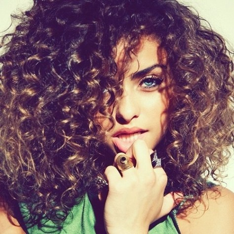 Curly & frizzy hairstyles