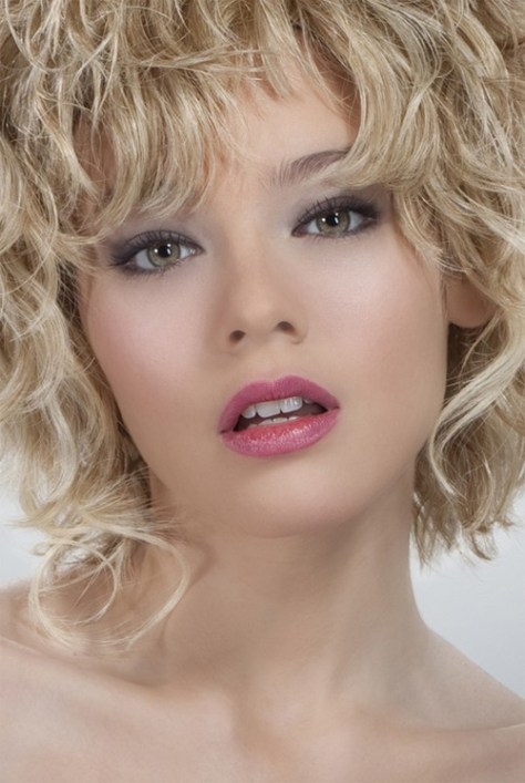 Cute hairstyles for blonde curly hair