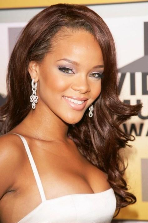 Rihanna Sexy Long Wavy Hairstyles