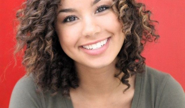 Effortless and Cool Curly Hairstyles for Teenage Girls