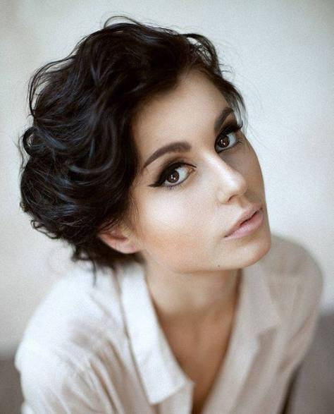 Short-Hairstyles-for-Wavy-Hair-