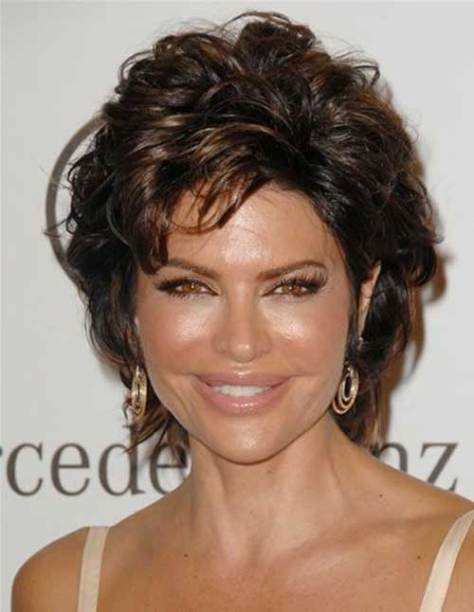 Chic Short Thick Layered Haircut for Ladies Over 50