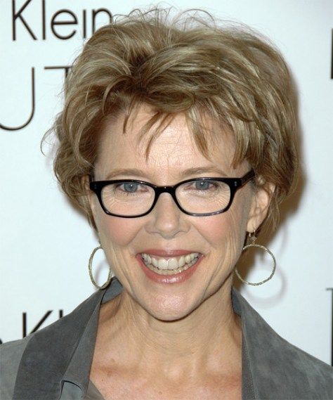 Short Hairstyles for Women Over 50 with Fine Hair and Glasses...