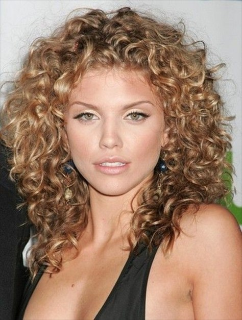 AnnaLynne McCord Curly Hair