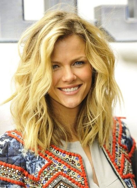 Hairstyles for Medium Length Hair:Modern Haircuts