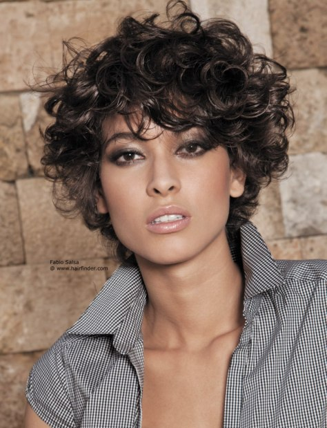 Short Curly Hairstyle for Round Faces ...