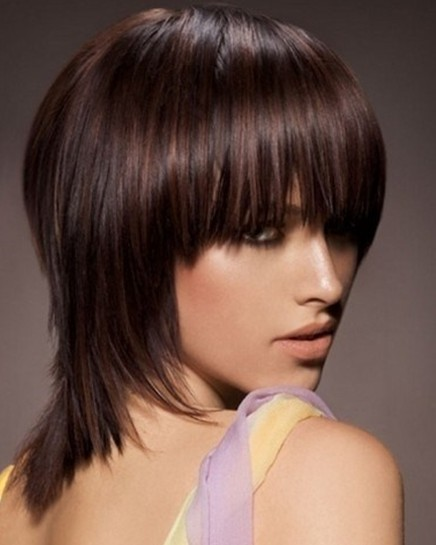 Short Layered Hairstyles for Medium Hair