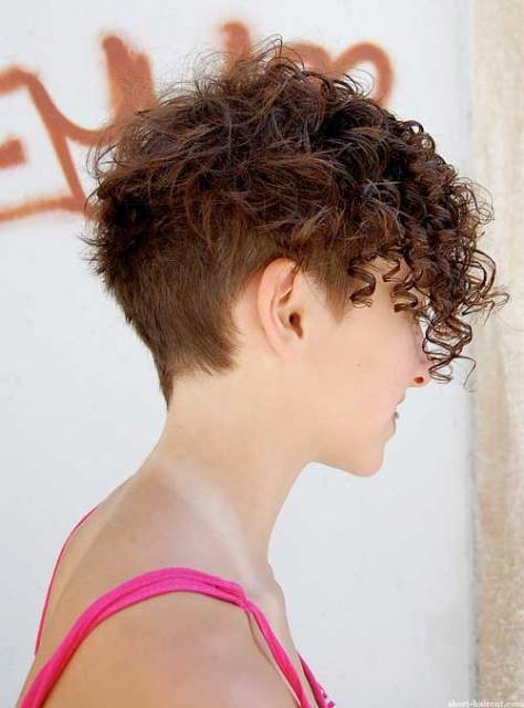 Very Short Curly Hairstyles for Women