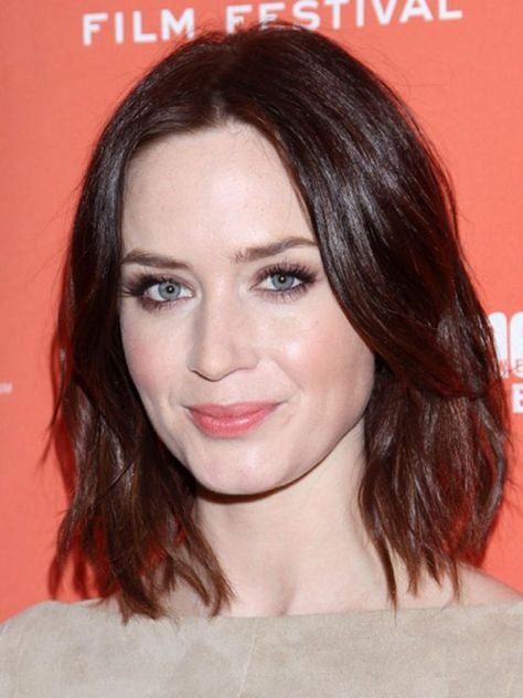 Medium Length Hairstyles Oval Face
