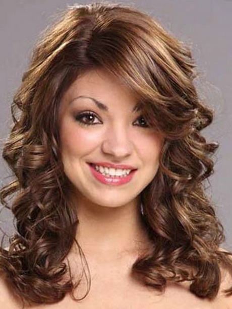 Medium Length Layered Hairstyles Curly hairs