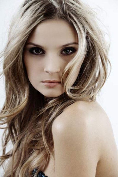 Medium Long Layered Hairstyles pictures