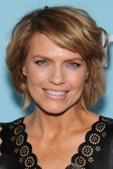 short wavy bob hairstyle with side bangs