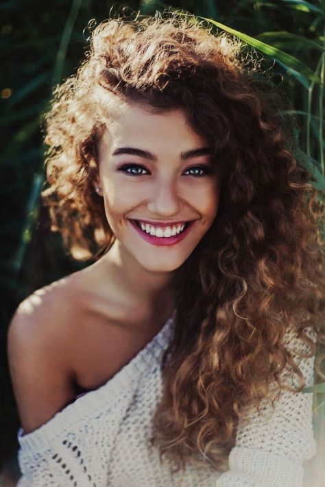 pelo curly hairstyles
