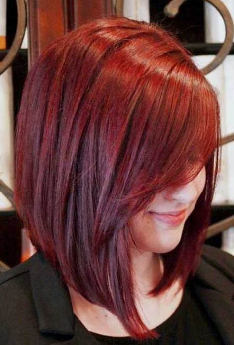 Red Bob with a short neck and a front that falls steep and long