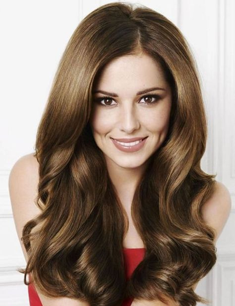 Long hairstyle with layers in the ends for a sensual look