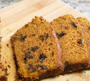 Chocolate Chip Pumpkin bread | FaveMom.com