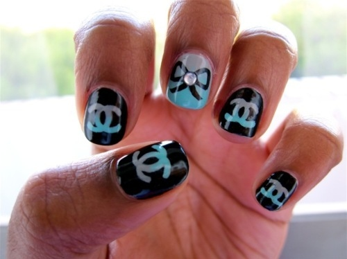 Nail obsession chanel nail designs le belle amour a little further to see what other chanel designs i could find online you know i love my nail designs so here are some couture nail designs for you prinsesfo Image collections