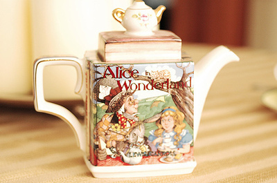 alice in wonderland, cute, tea, tea kettle, tea pot