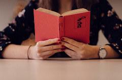 旅好きさんにオススメしたいクスッと笑える本