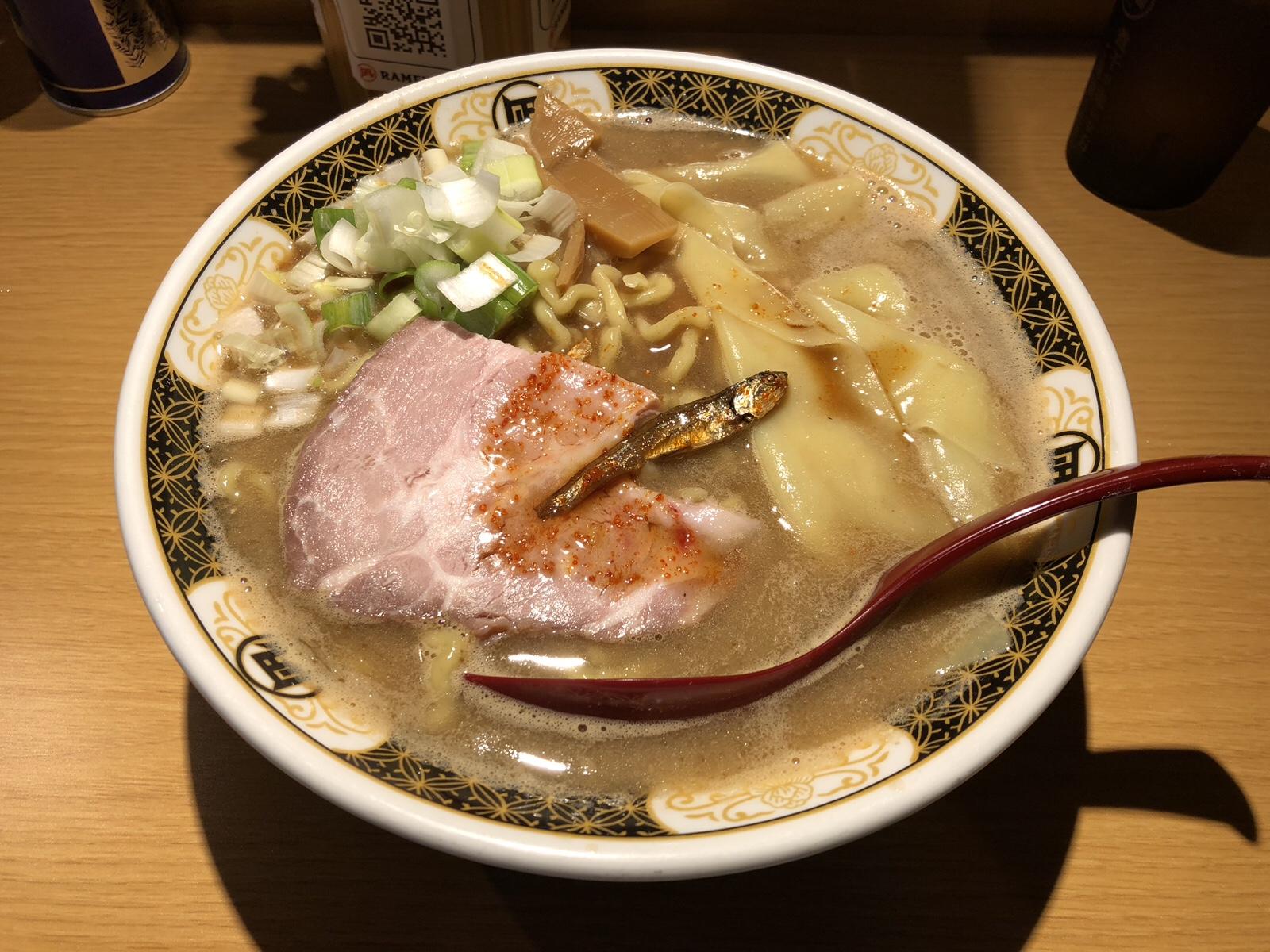 来たれ!ニボラー!すごい煮干しラーメン「凪」西新宿店