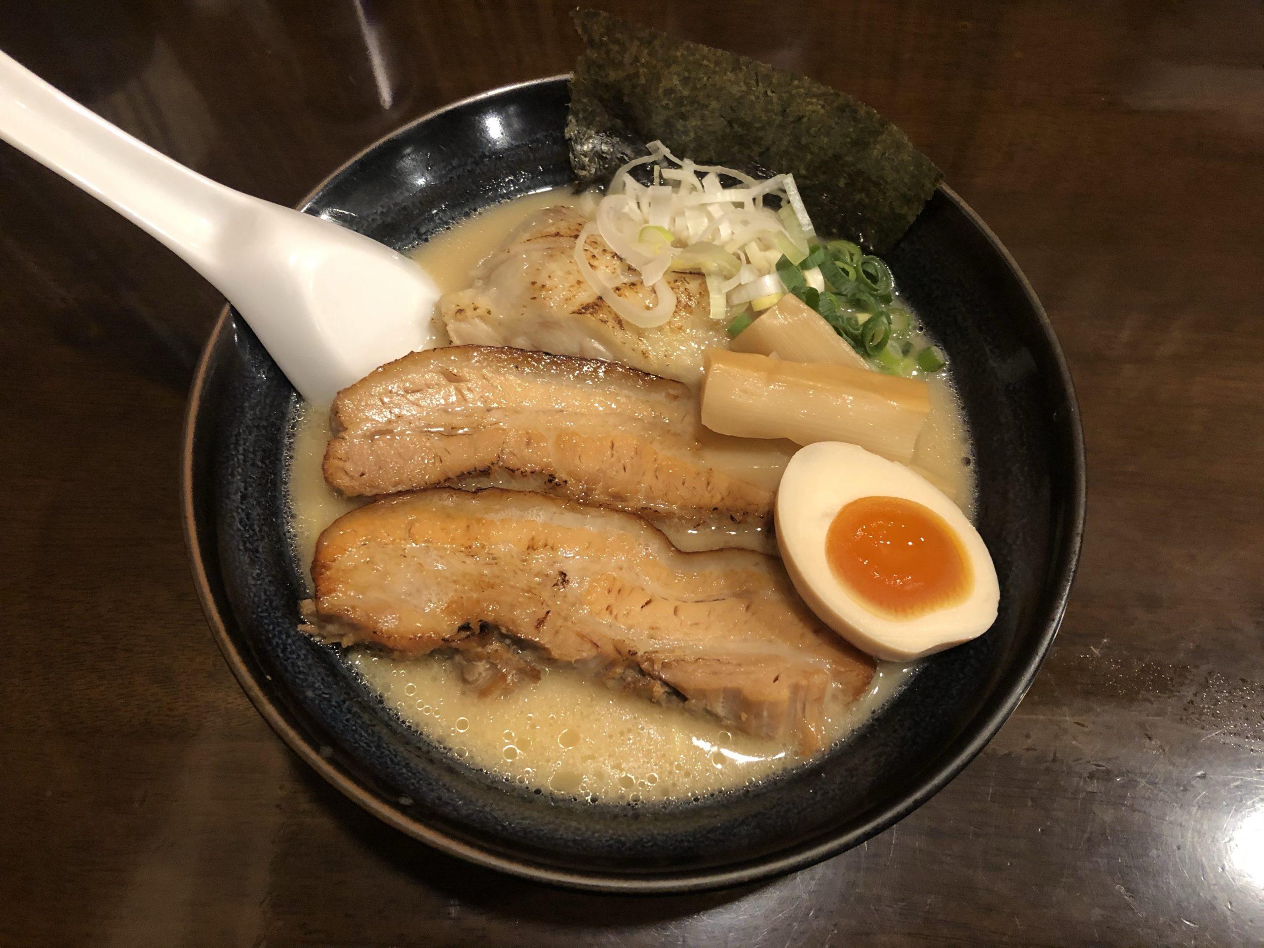 亀戸「らーめん なが田」分厚いチャーシューと濃厚鶏だしスープ