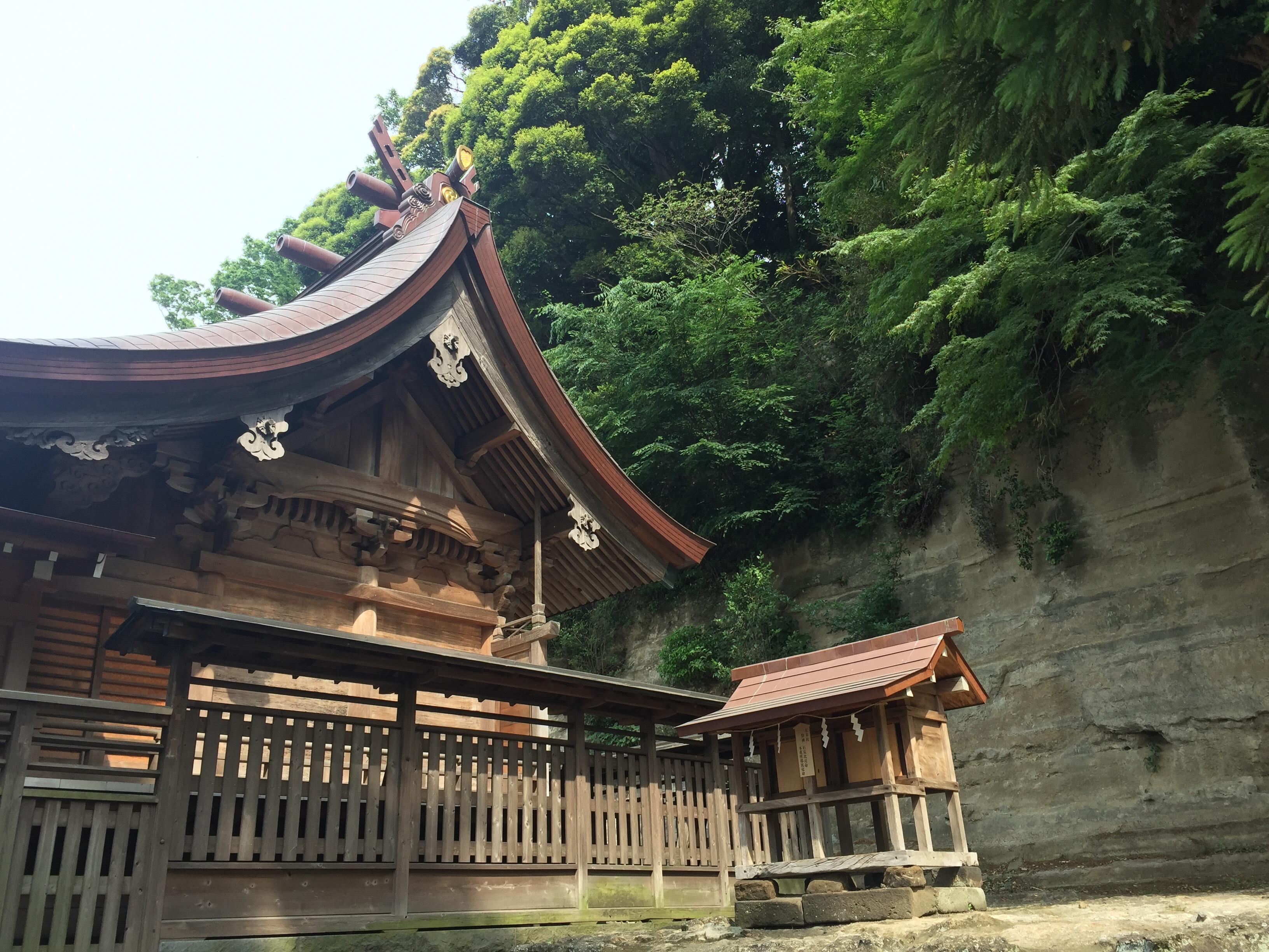 源頼朝を将軍に導いた瀬戸神社。金沢八景に響く鎌倉時代の潮の音。