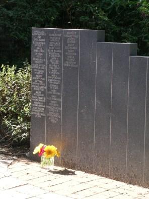 new-southgate-crematorium-and-cemetery_2875989975_o