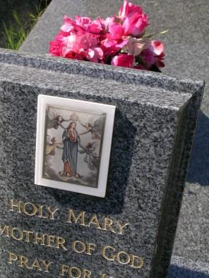 new-southgate-crematorium-and-cemetery_2875999055_o