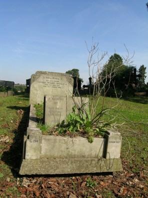new-southgate-crematorium-and-cemetery_2887541575_o