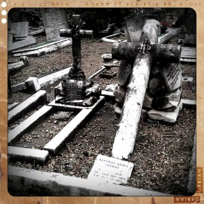 walthamstow-cemetery-queens-road_6072878929_o