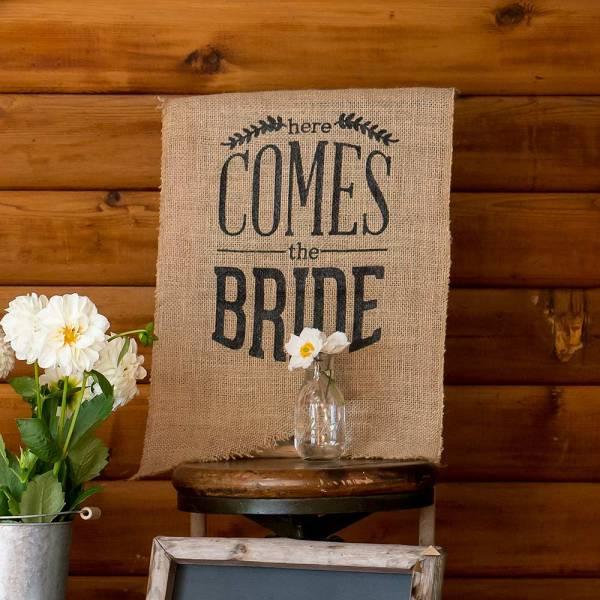 Burlap 'Here Comes The Bride' Black Sign