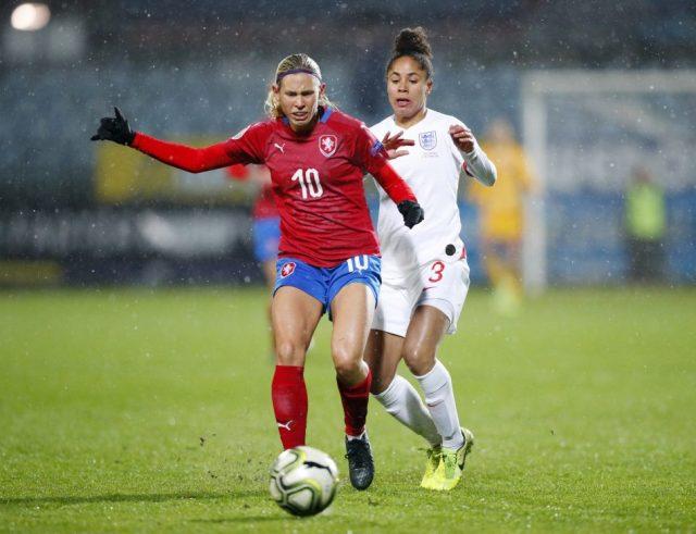 West Ham United midfielder starts as Czech Republic defeat Azerbaijan